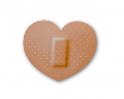 heart-bandaid